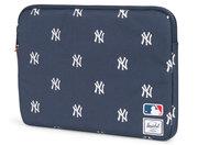 Herschel Anchor MacBook 14 / 13 inch sleeve Yankees