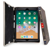 Twelve South BookBook iPad Pro 10,5 inch hoesje Bruin